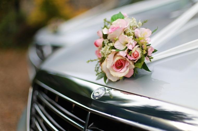arreglos florales para bodas coche