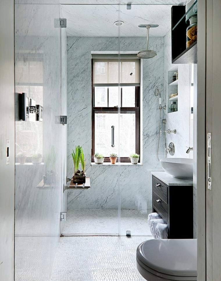 aseo baño pequeño ducha