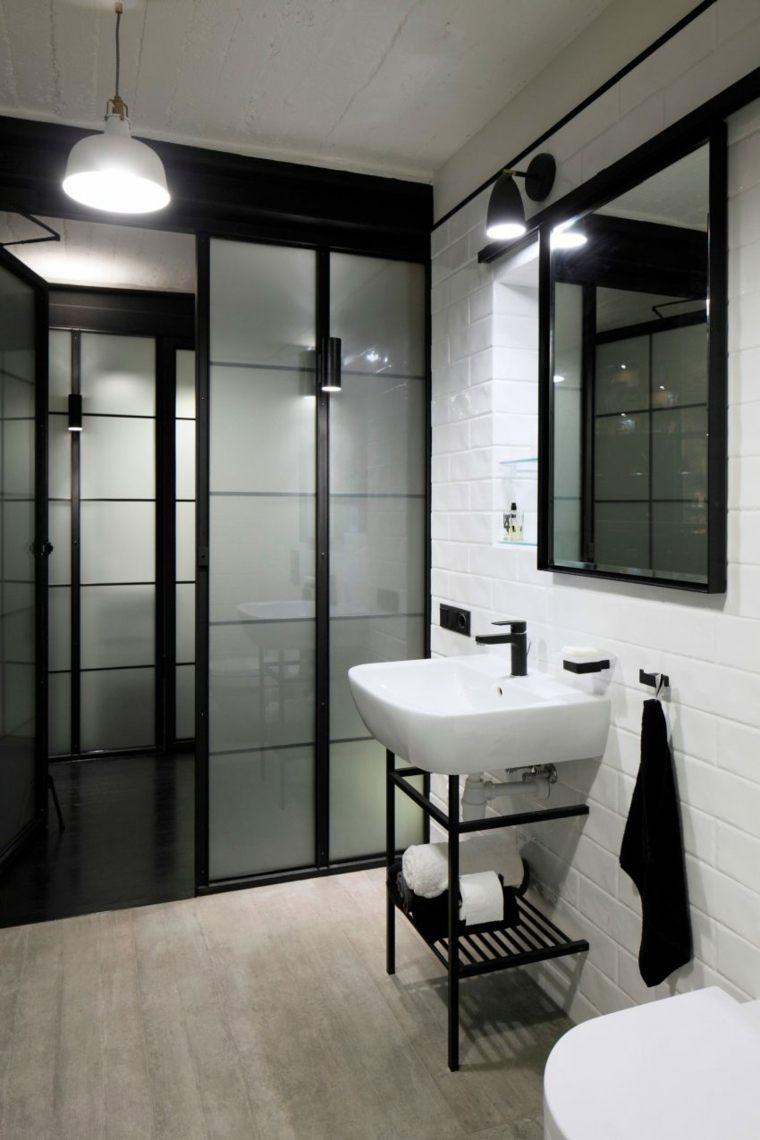 baño sencillo azulejos estilo metro