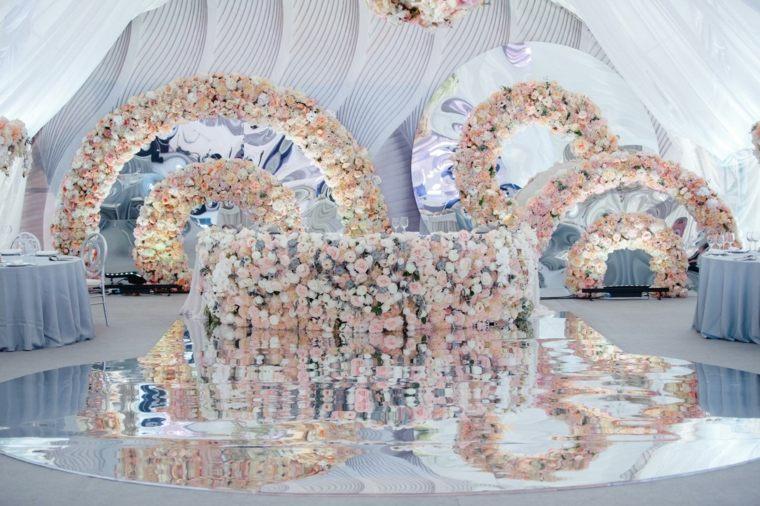 boda decoracion bella flores suelo reflejante ideas