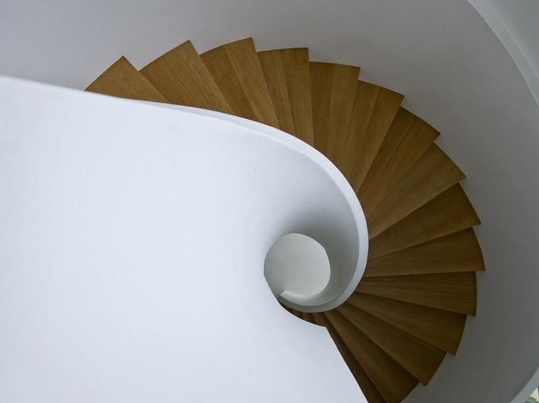 bonita escalera de caracol moderna