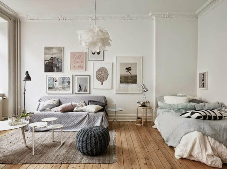 bonita sala de estar nórdica