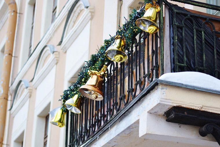 campanas doradas estilo tradicional