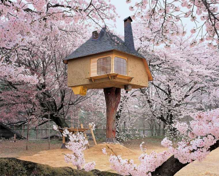 casa en los árboles elegante