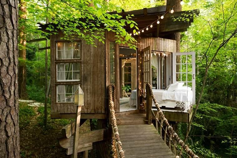 casa en los árboles moderna puente