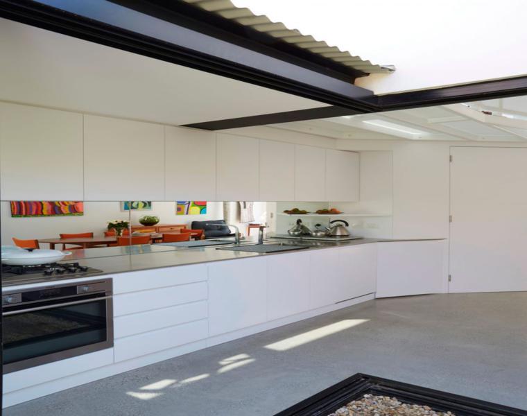 cocina estilo minimalista muebles blancos