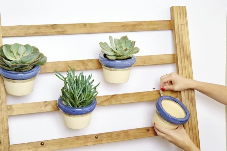 Como hacer un jardin vertical en casa o en el patio for Escalera de jardin de madera