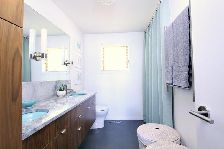 cuarto de baño estilo moderno