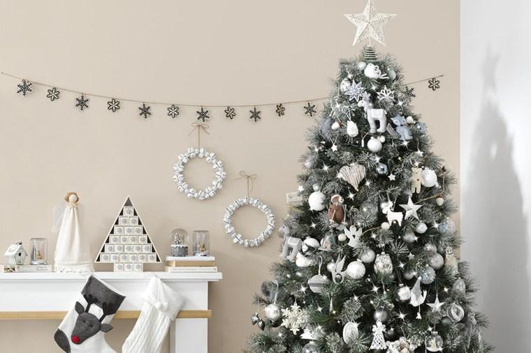 decoración de árboles de navidad interiores