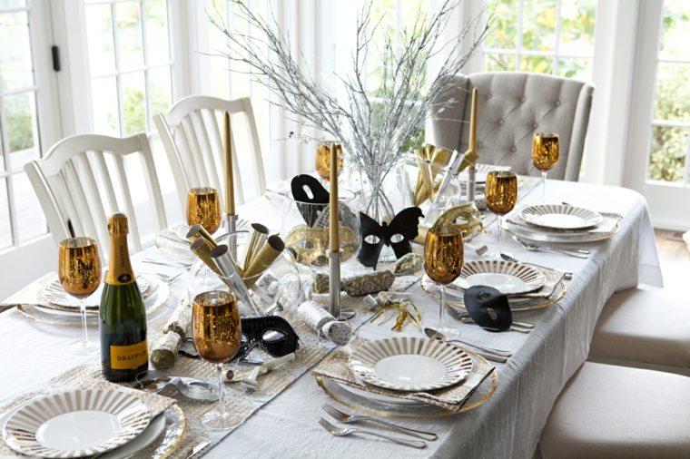 decoración de mesa de comedor noche vieja