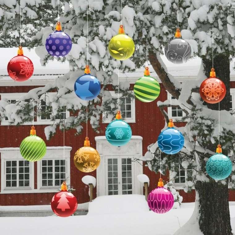 decoración navideña exterior árboles