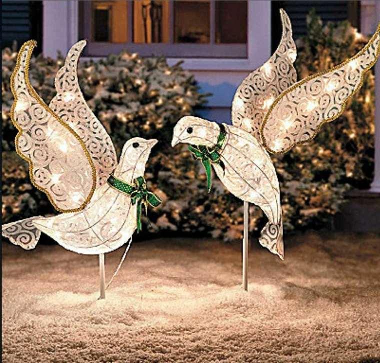 decoración navideña exterior palomas