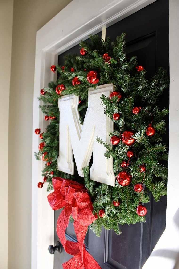 decoracion-navidena-guirnalda-puerta-navidad