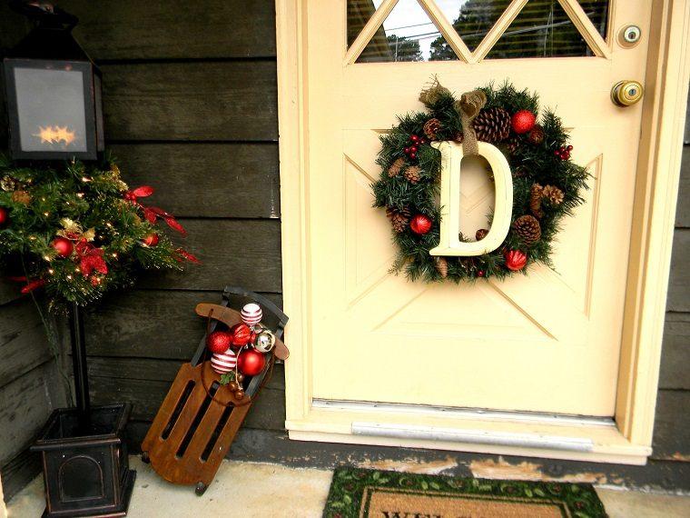 decorar puertas navidad diseno guirnaldas letras ideas
