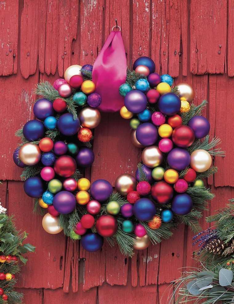 decorar puertas navidad opciones colgar bolas colores ideas
