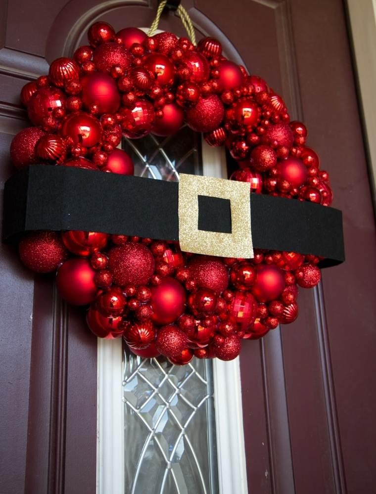 decorar puertas navidad opciones colgar guirnalda bolas ideas