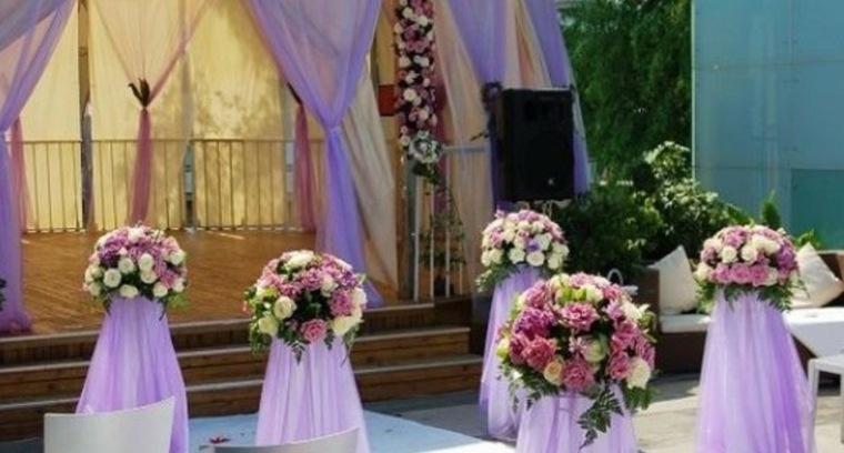 Arreglos florales para bodas elegantes y modernas for Decoracion con plantas para fiestas