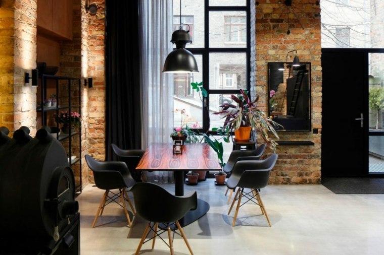 interior comedor moderno sillas Eames