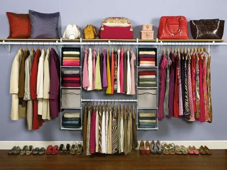 interiores de armarios organizados mujeres