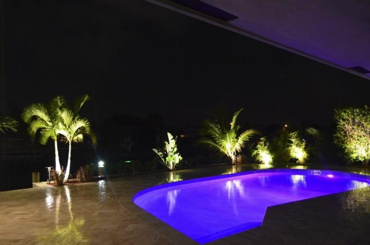 jardin piscina luces led