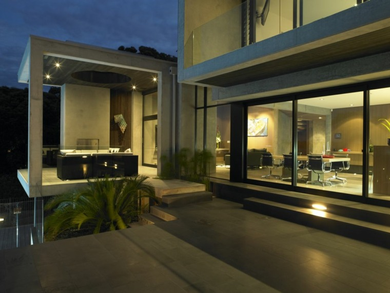 luces jardín diseño moderno