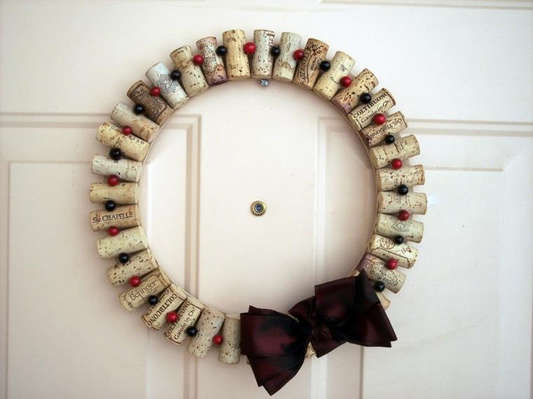 manualidades corchos corona decoracion puerta entrada ideas