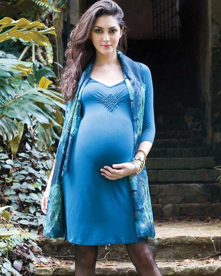 moda premama diseno invierno vestido azul ideas