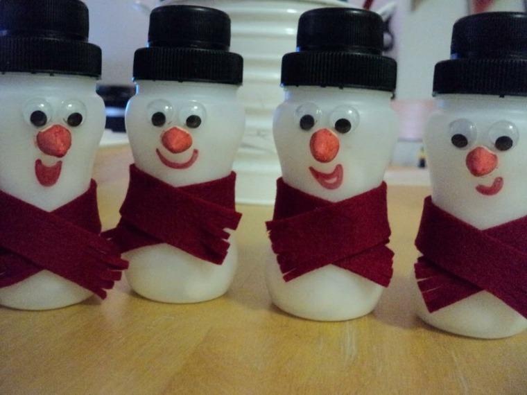 muñecos nieve botes yogurt