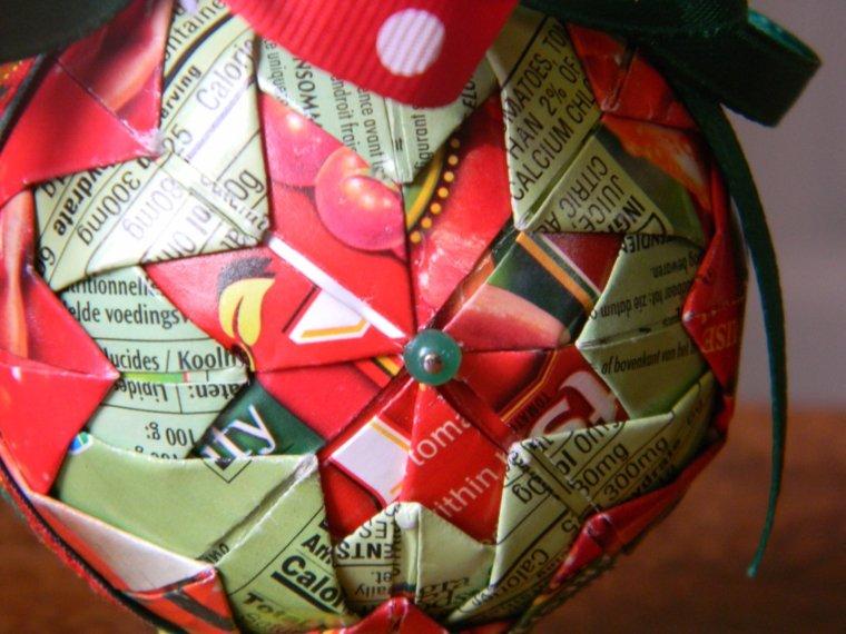 original diseño bola Navidad papel
