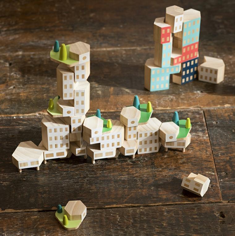 originales juguetes de madera natural