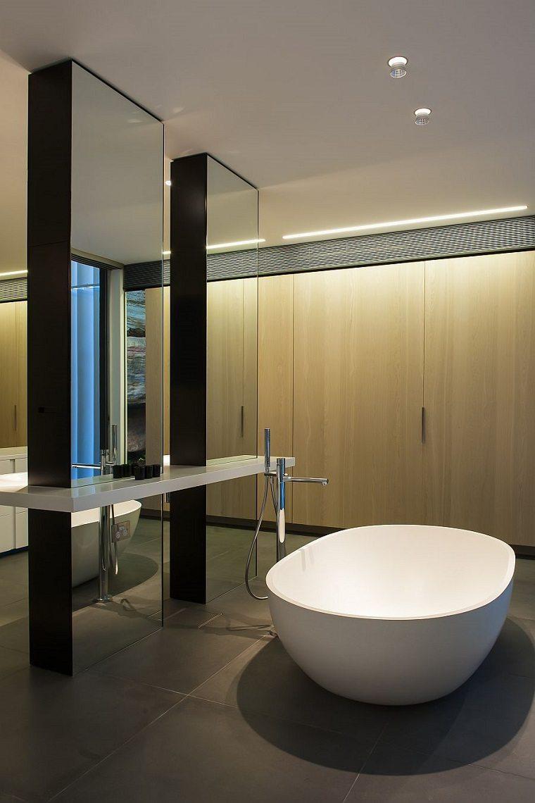 paredes madera diseno de banos opciones iluminacion escondida ideas