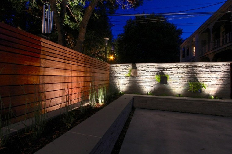 patio estilo mininmalista luces led