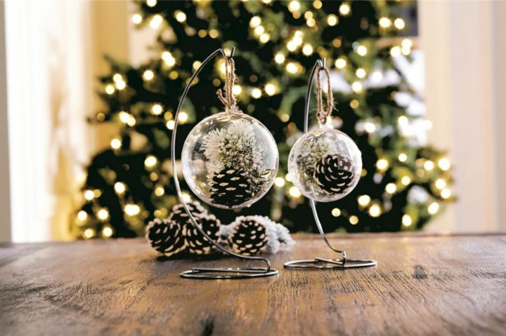 piñas decoracion bolas cristales masas