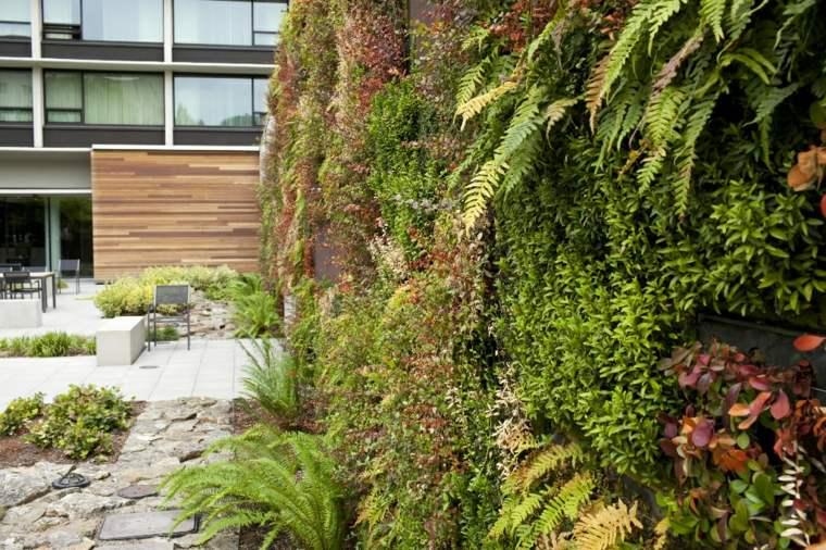 Como hacer un jardin vertical en casa o en el patio for Jardin vertical exterior