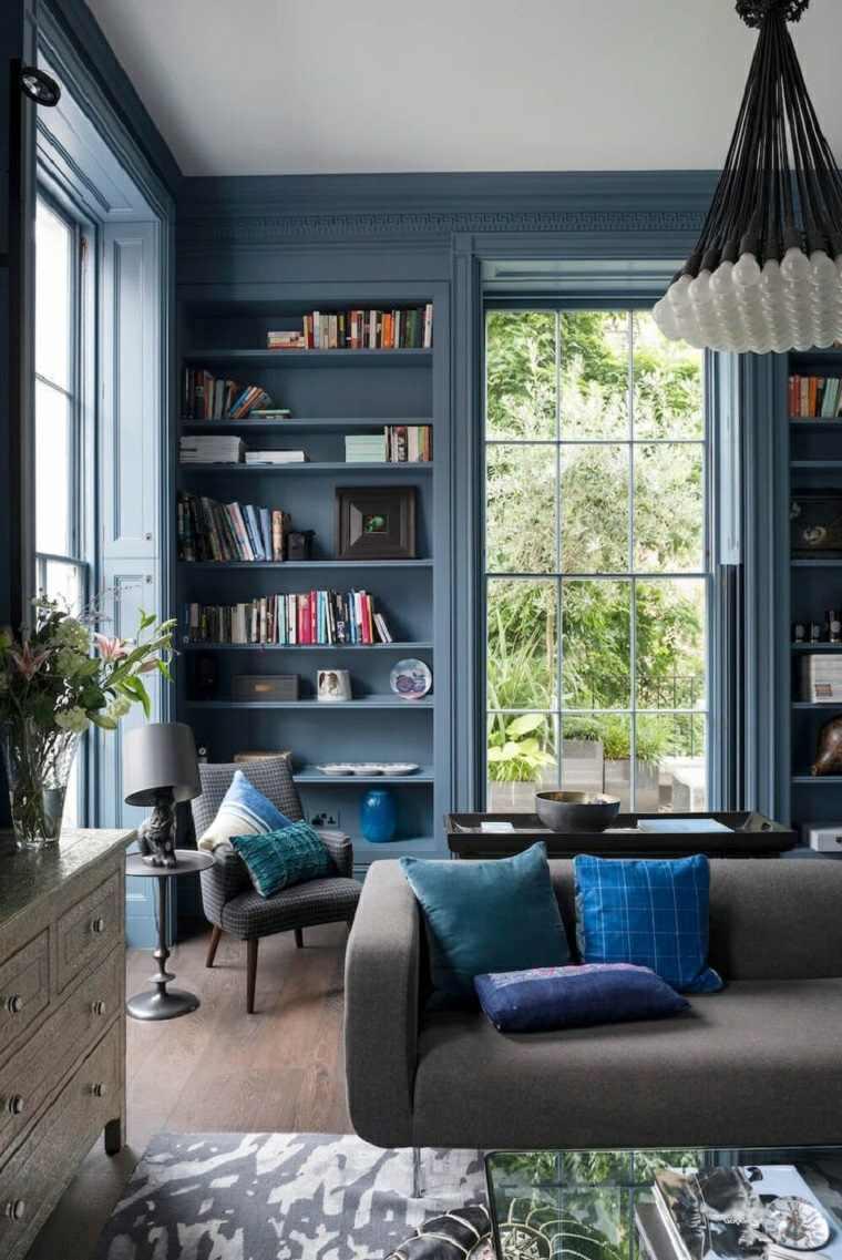salones de diseno oscuro pared estantes azul ideas