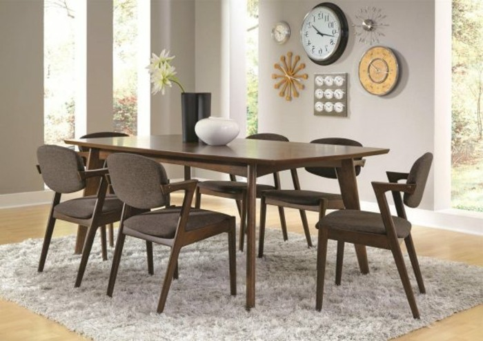 sillas marrones mesa comedor