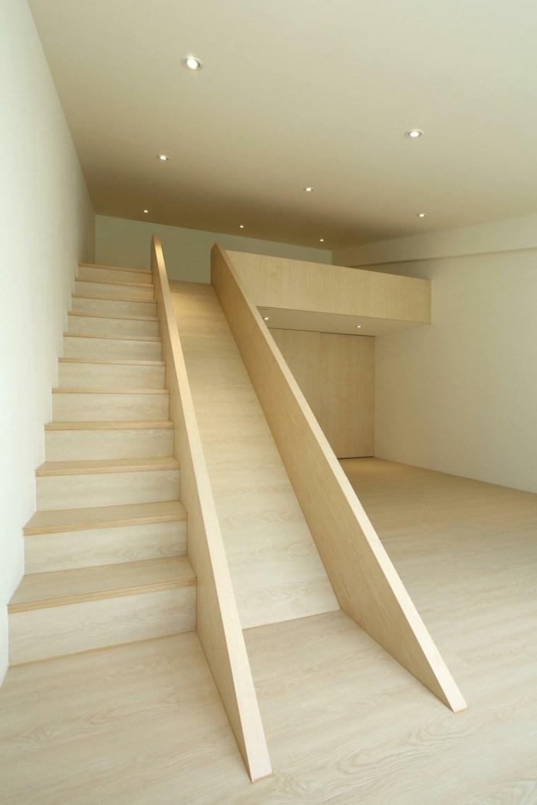 Toboganes dentro de casa ideas de interiores divertidos for Toboggan escalier