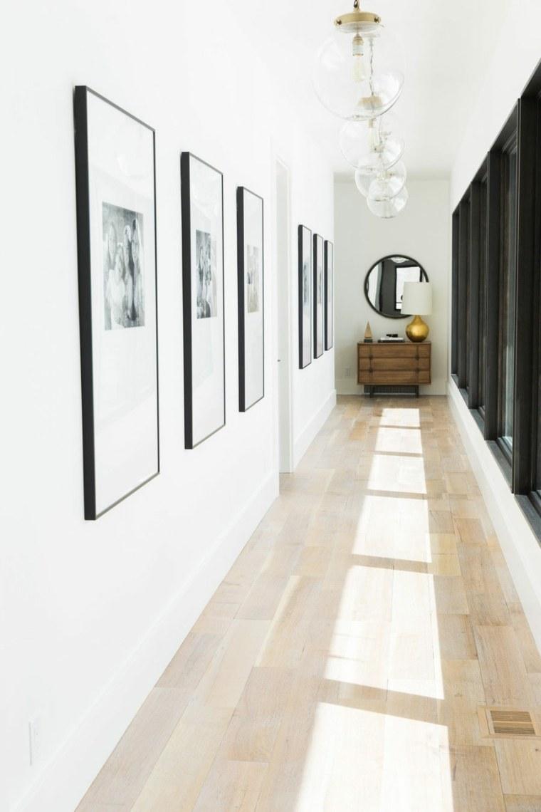 decoracion pasillos cuadros marcos