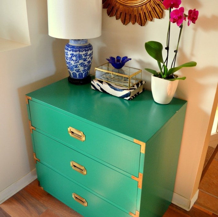 aparador capa pintura verde flores