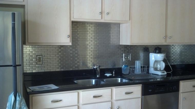 azulejos cocina de color plata