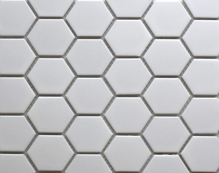 azulejos baño hexagonales blancos