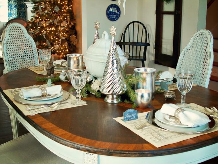 blanco plateado mesa vajilla cortinas