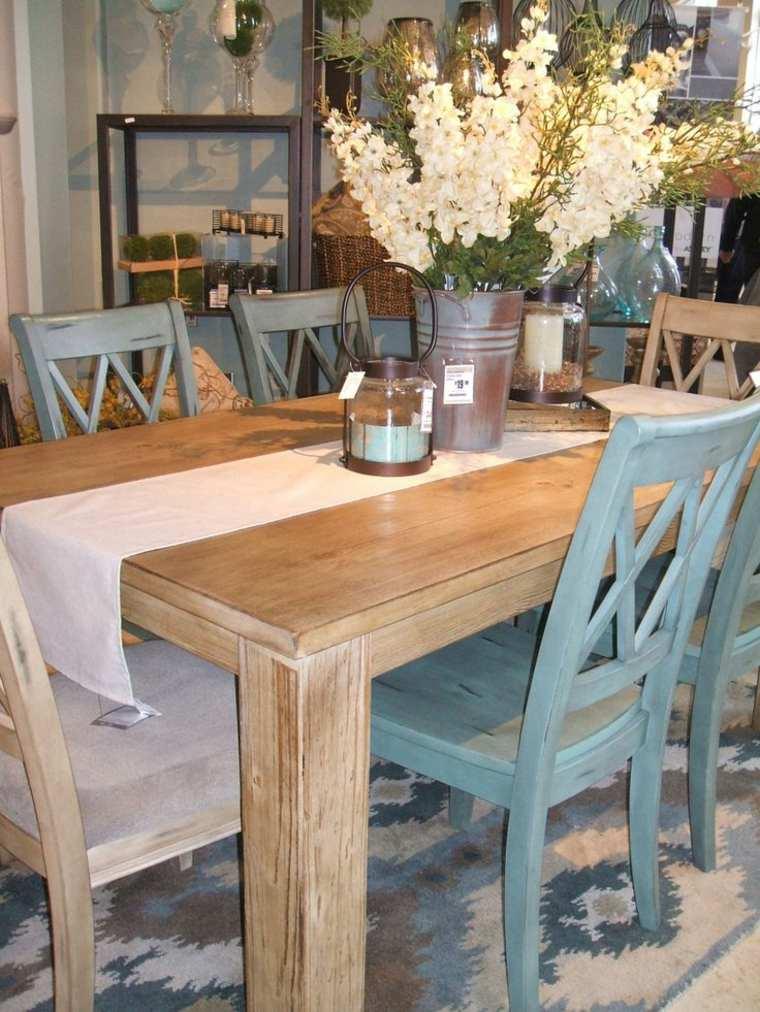 bonita mesa sillas azules