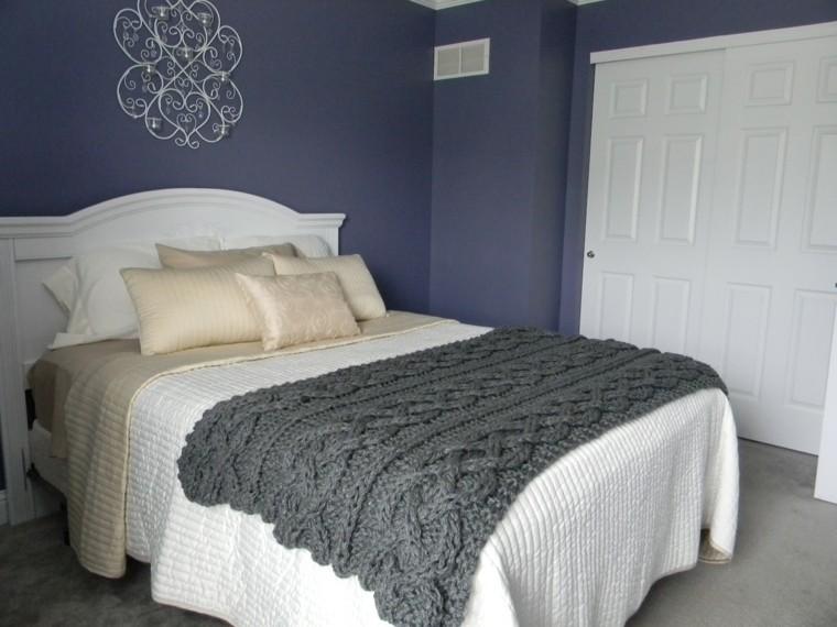bonita decoración dormitorio manta