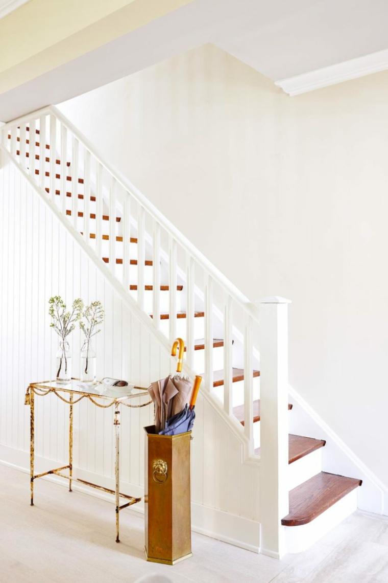 bonito diseno pasillo escaleras