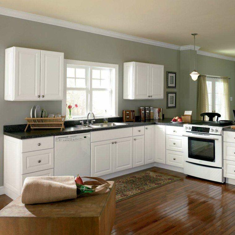 cocina con muebles color blanco