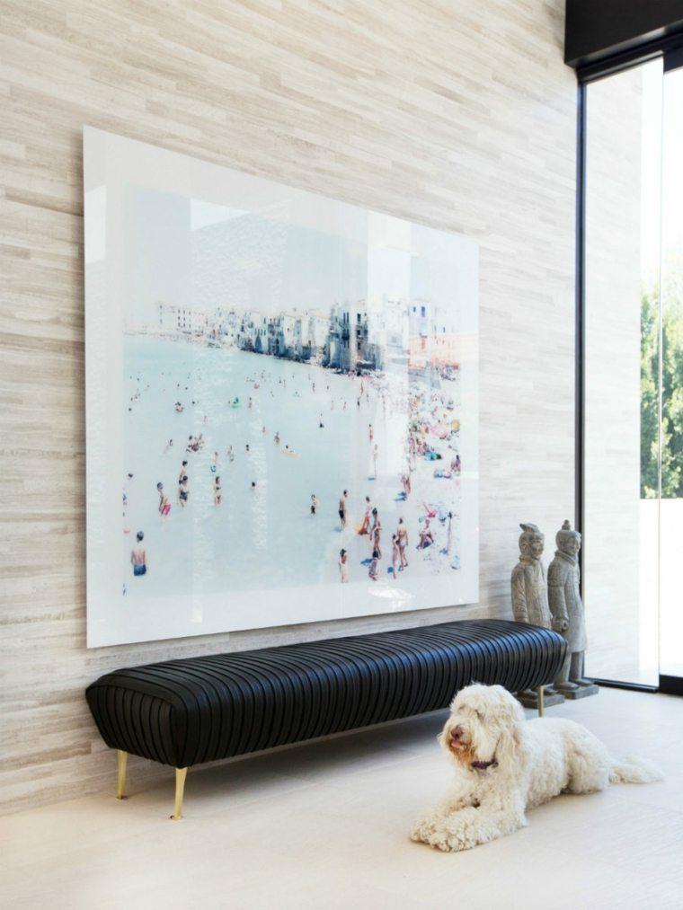 decoracion pasillo banco cuadro