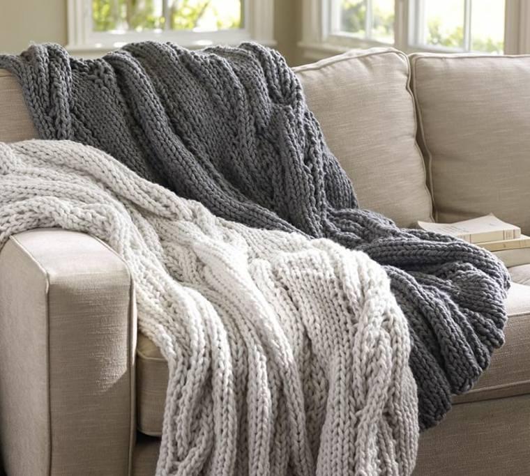 decorar sofás mantas ganchillo