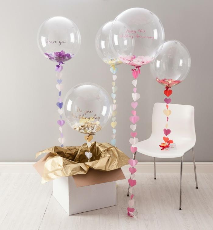 decoracion con globos mensajes blancos flres