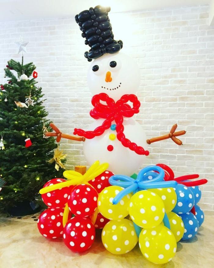 decoracion con globos navidad munecos paredes